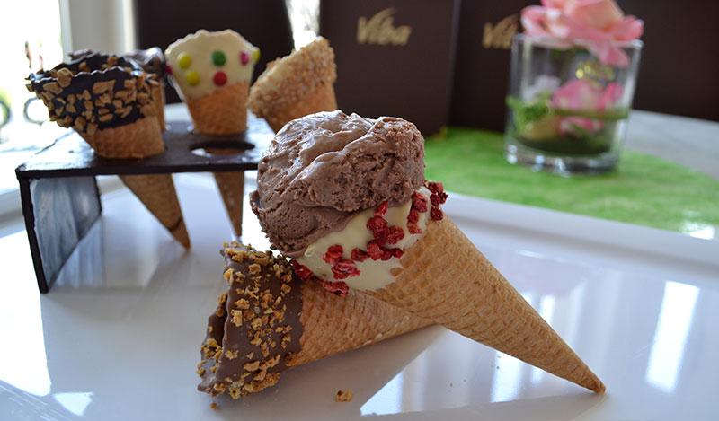Eis in einer Waffel aus dem Restaurant der Erlebnis-Confiserie Dresden